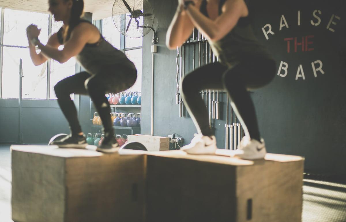 Sentadillas, ejercicio recomendado para fortalecimiento del cuadriceps